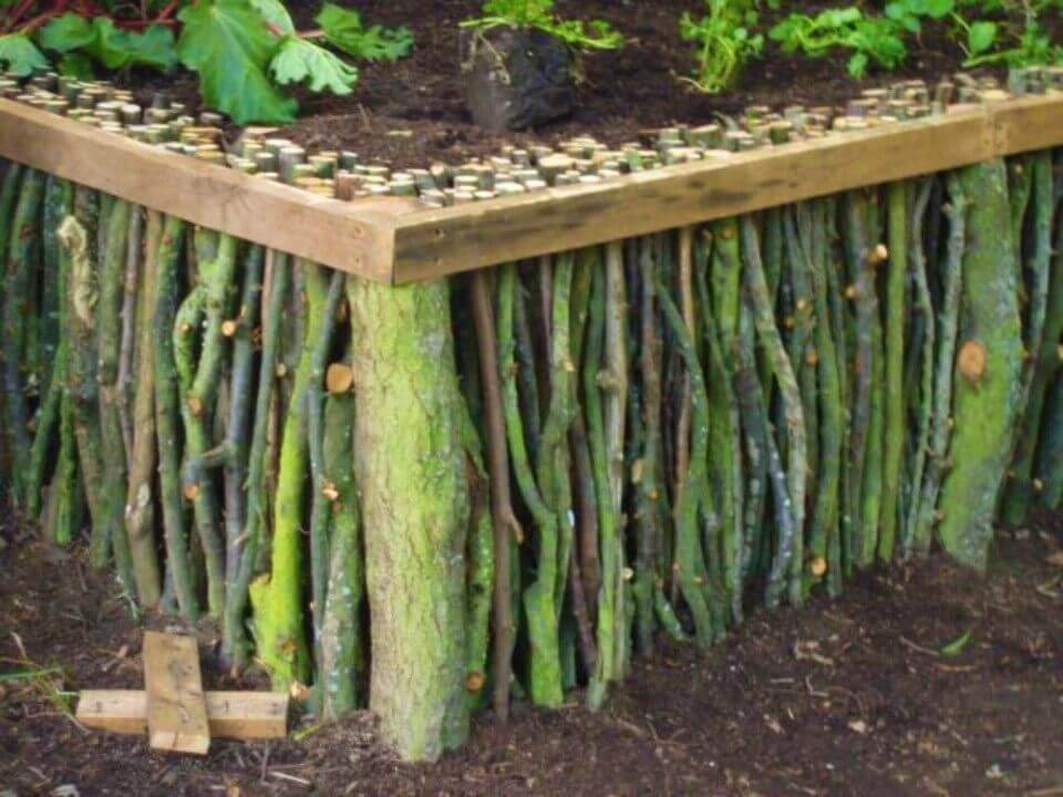Amazing DIY Natural Wood Raised Garden
