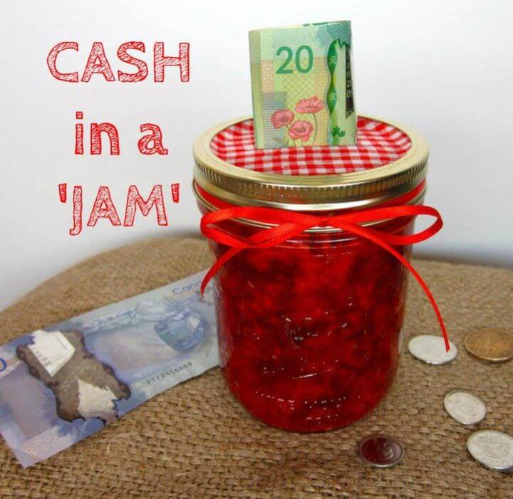 Easy DIY Jam Jar Piggy Bank