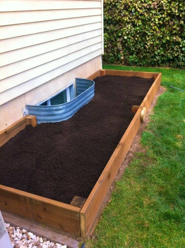 Make a Raised Garden Bed to Grow Vegetable