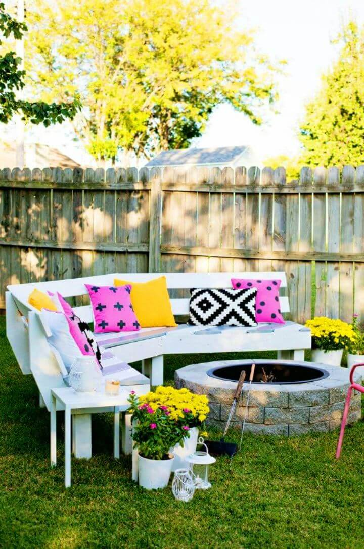 Pretty DIY Curved Fire Pit Bench
