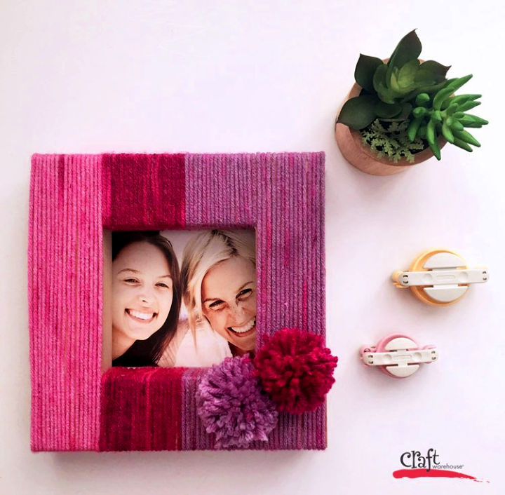 Make a Yarn Wrapped Picture Frame