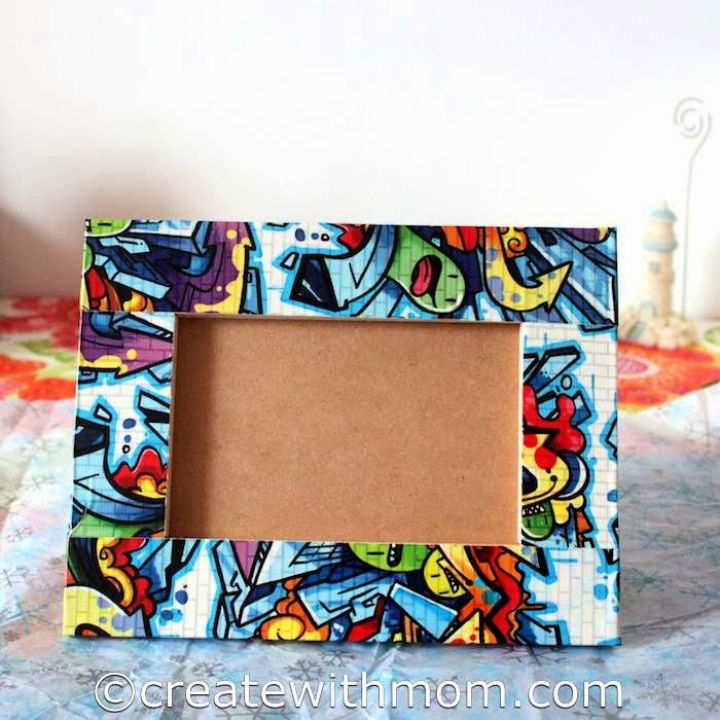 Picture Frames Using Creative Duct Tape