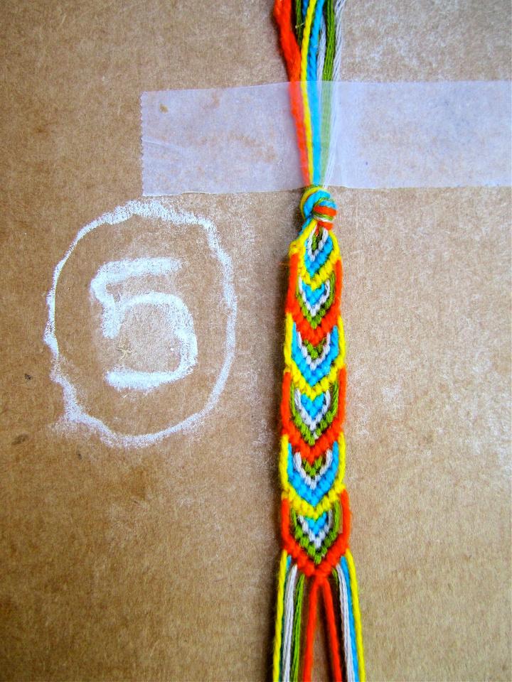 6 String 3 Color Friendship Bracelet Pattern