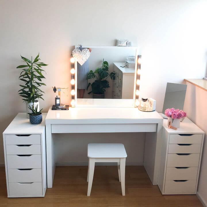 Affordable DIY Vanity Mirror