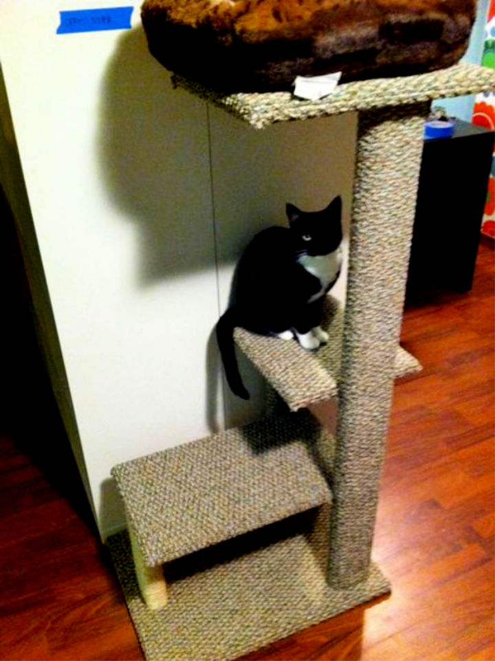 Build a Sisal and Carpet Cat Tree