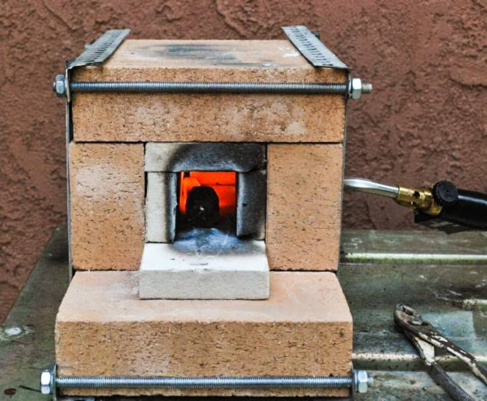 DIY Fire Brick Blowtorch Forge