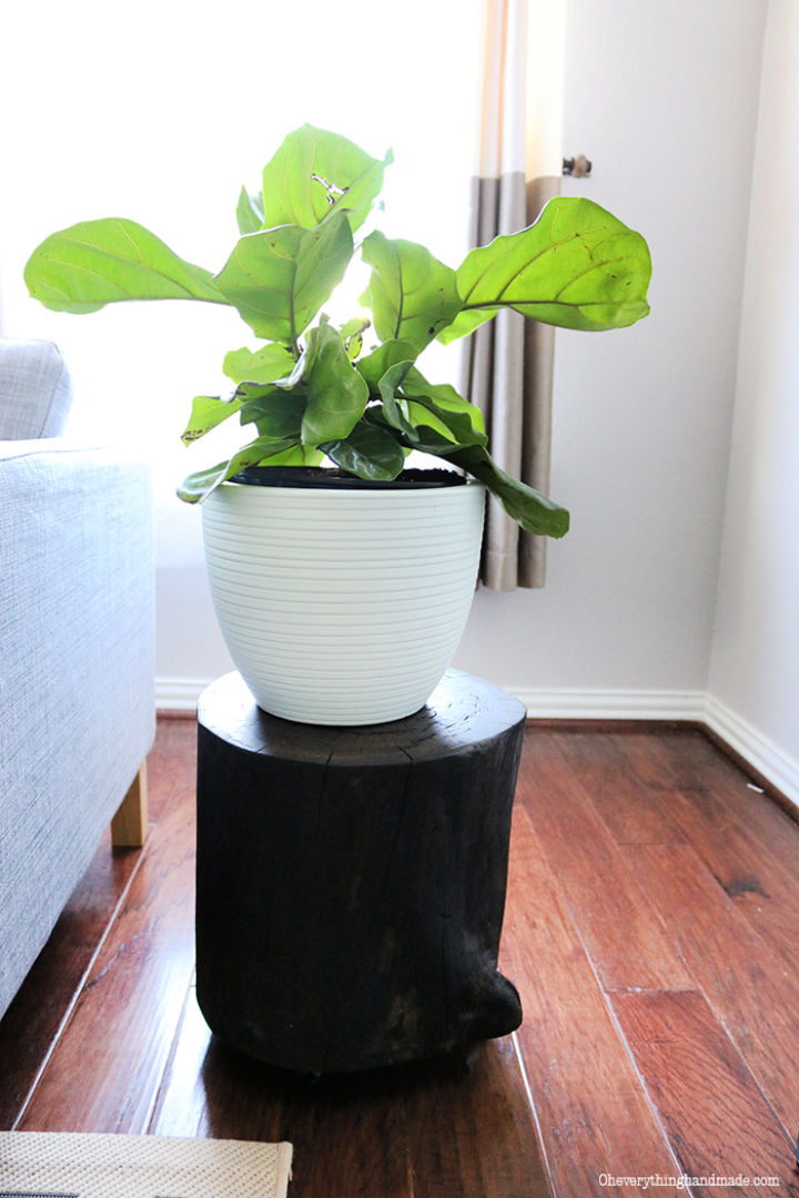 DIY Wooden Stump Side Table