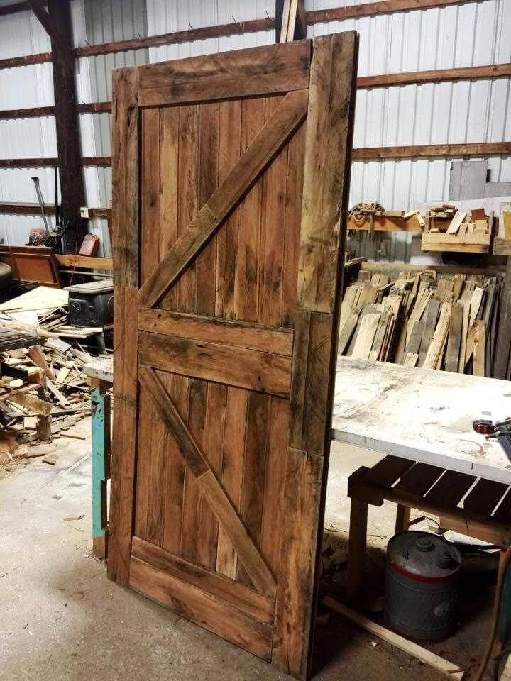 DIY pallet barn door
