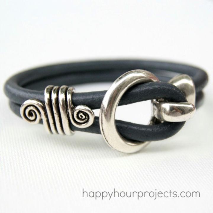 Five Minute Leather Bracelet
