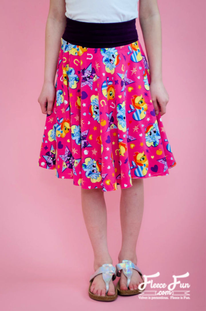 Free Circle Skirt for 18″ Doll