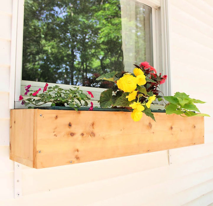 How to Build Cedar Window Boxes