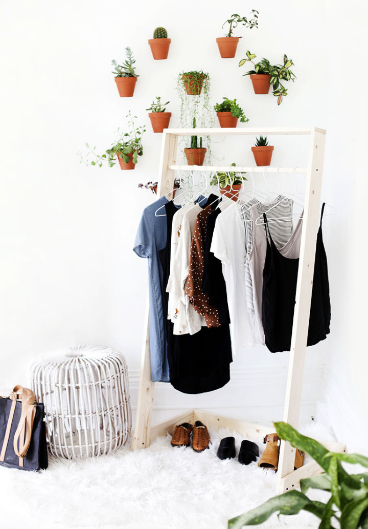 How to Make Wooden Clothing Rack