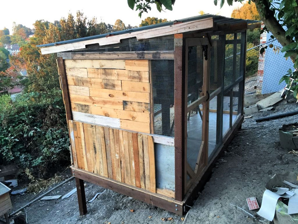 Pallet Recycled Wood Chicken Coop
