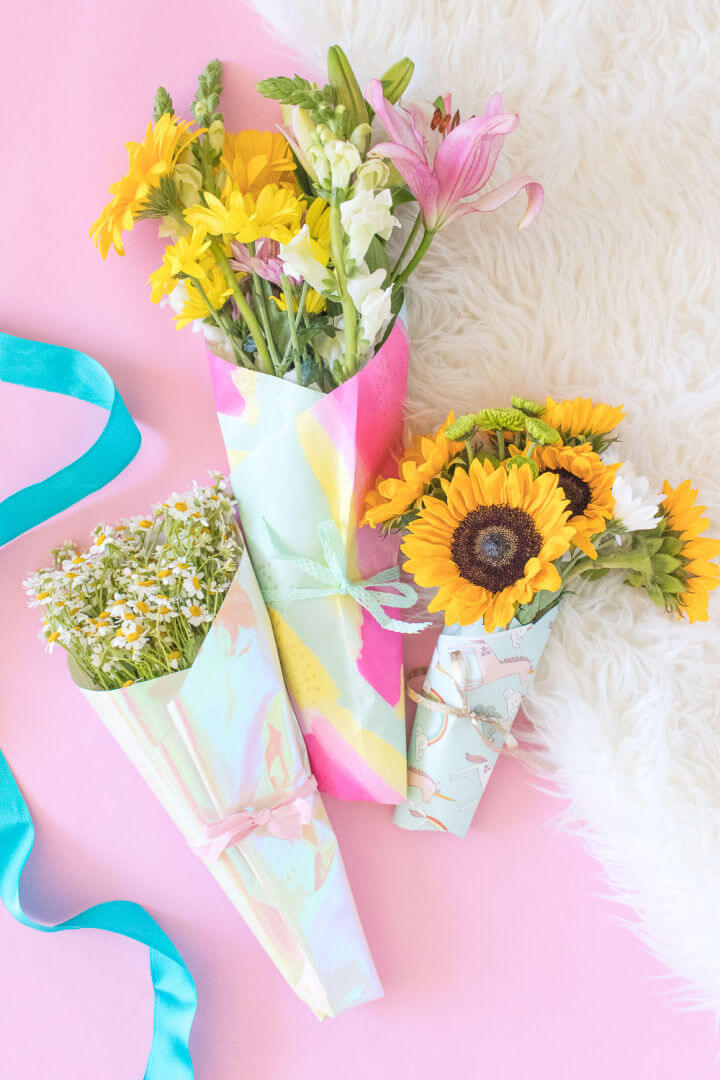Pretty DIY Wrapping Paper Flower Bouquet
