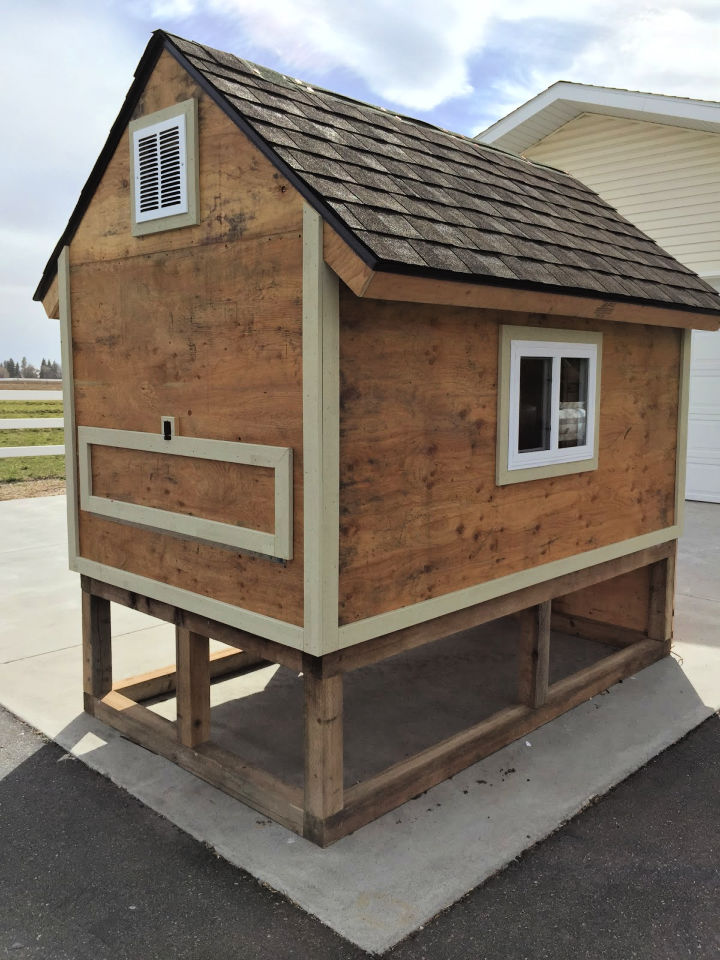 Simple Chicken Coop from Pallets
