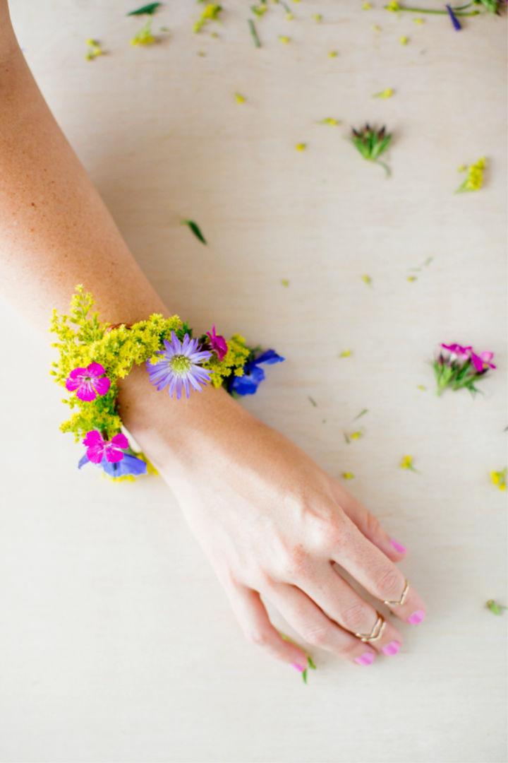 Summer Statement Jewelry using Fresh Flowers