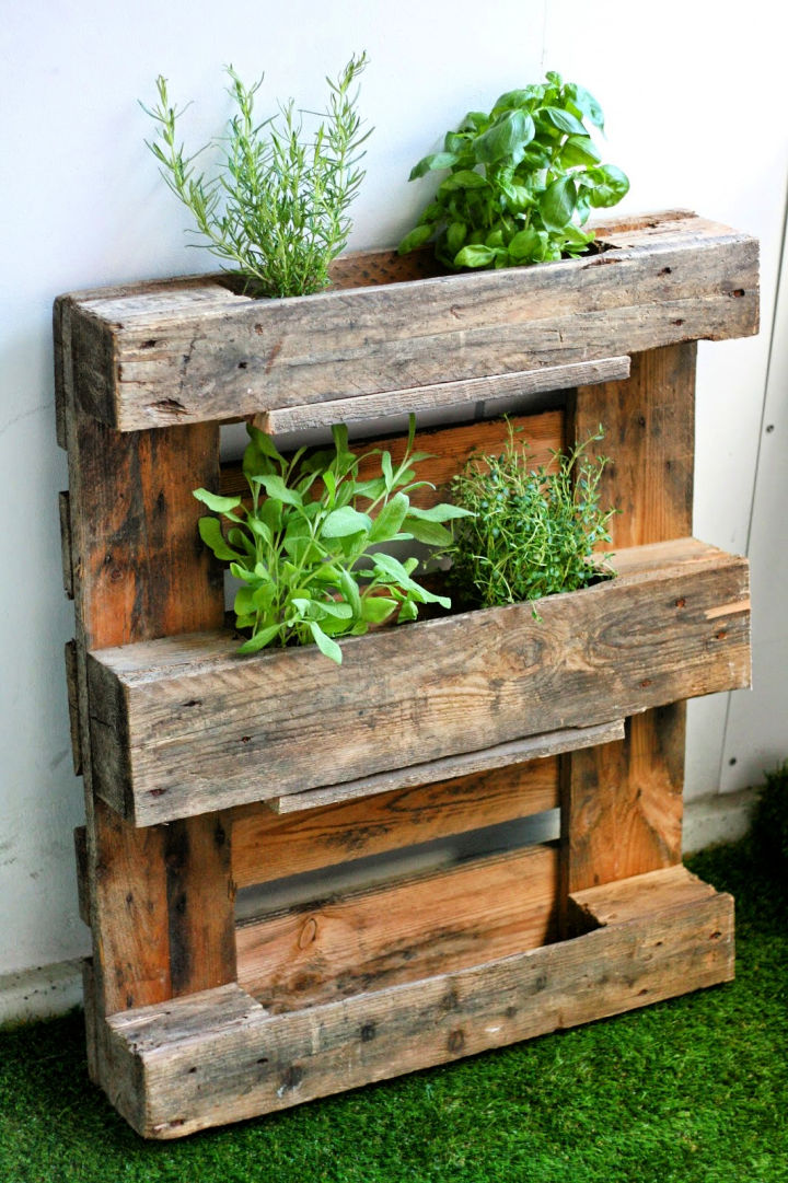 Turn Wooden Pallet Into Herb Rack