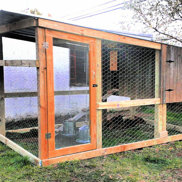 how to build a chicken coop 2